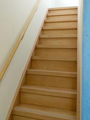 T様邸階段上張り工法